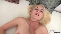 Porno xvideos loirinha pelada fazendo sexo selvagem