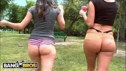 Sexual club amigos comendo duas mulheres gostosas