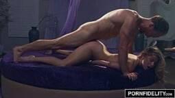 Filme de sexo com uma magrinha fodendo