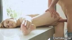 Porno 3g arrombando a bucetinha carnuda da estudante gostosa