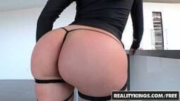 Porno bengala com uma safada de bunda grandona