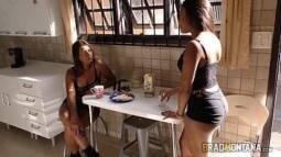 Porno classico traindo esposa com a melhor amiga