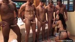 Porno grats da gostosa brasileira na putaria com dotados brasileiros