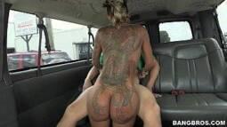 Baixar filmes de sexo com negona tatuada no anal
