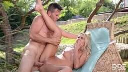 Xexecas gratis transando com a esposa do primo corno